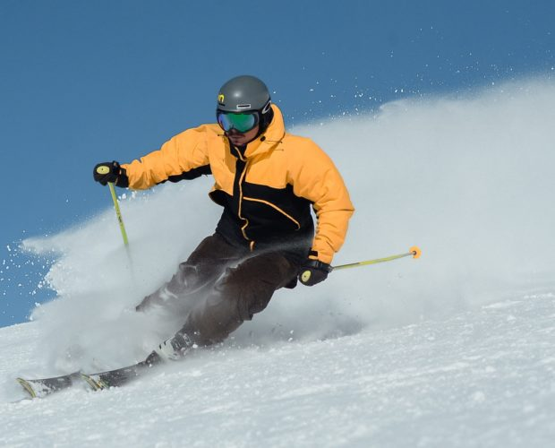 rodzaje-kasków-narciarskich